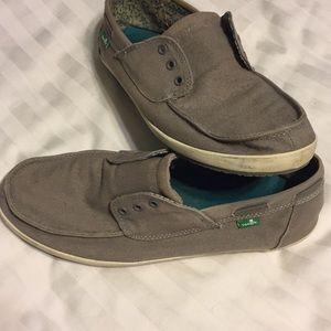 Mens Sanuk canvas shoes sz 10